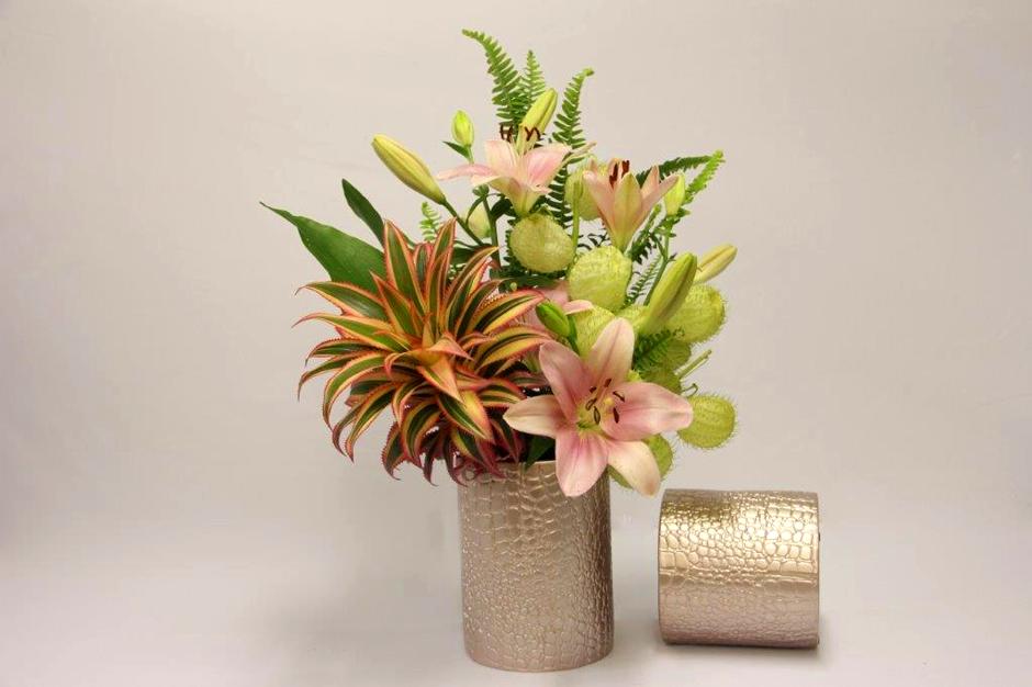 סידורי פרחים ספוג