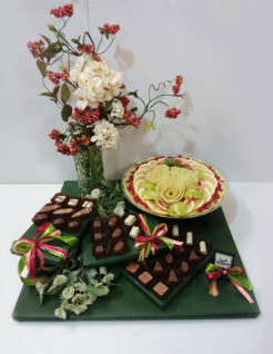 עיצוב שוקולד, פירות חתוכים ואגרטל